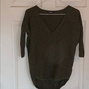 High low 3/4 sleeve sweater